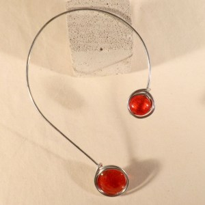 collier-on-off-rouge